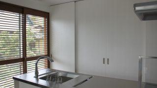 【WEB内覧会】隠すことにこだわる、キッチン背面収納(入居前)