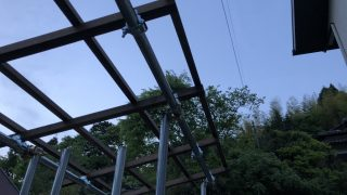 薪棚2つ目(次の次のシーズン用)が完成